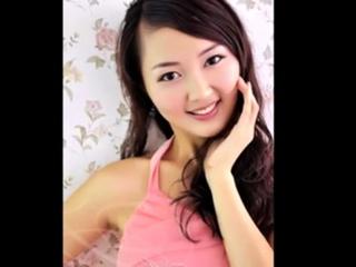 Hot & gorgeous chinese girls strip