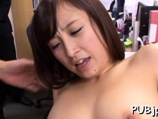 Playsome oriental Ayumi Kimino rides meat