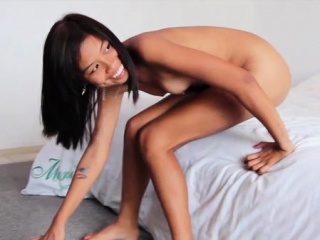 Sultry sweetie adores slim jim insertion
