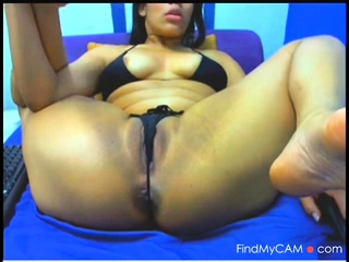 lovely latina pussy webcam